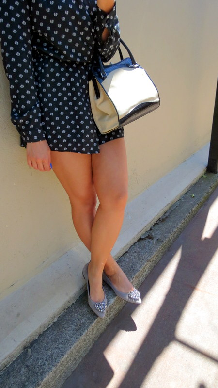 Navy + Pearls Outfit of the Day!