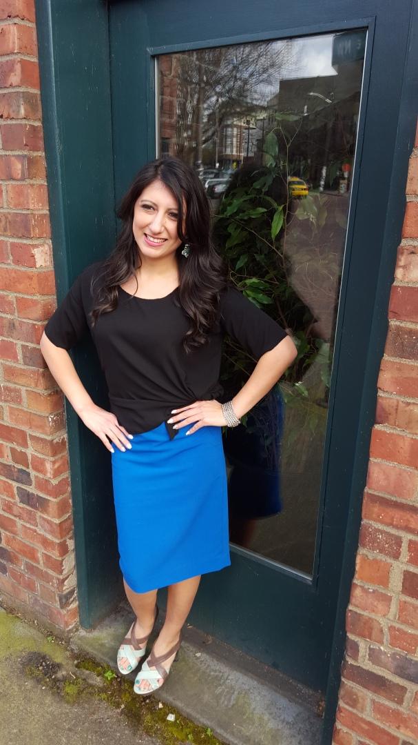 blue-skirt-black-top